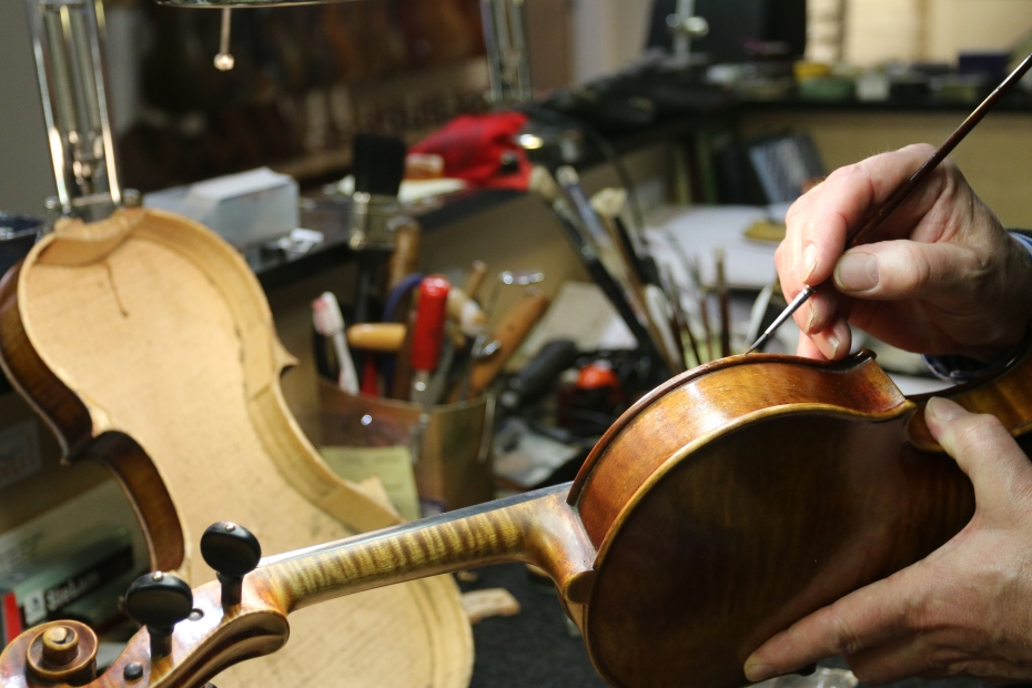 Violin retouching